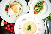 С сытным обедом в Золотом Телёнке вы забудете про ужин! Обеденные сеты от 7 рублей.