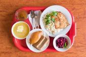 """Бистро """"Обед-буфет"""" приглашает на комплексные обеды по доступной цене!"""